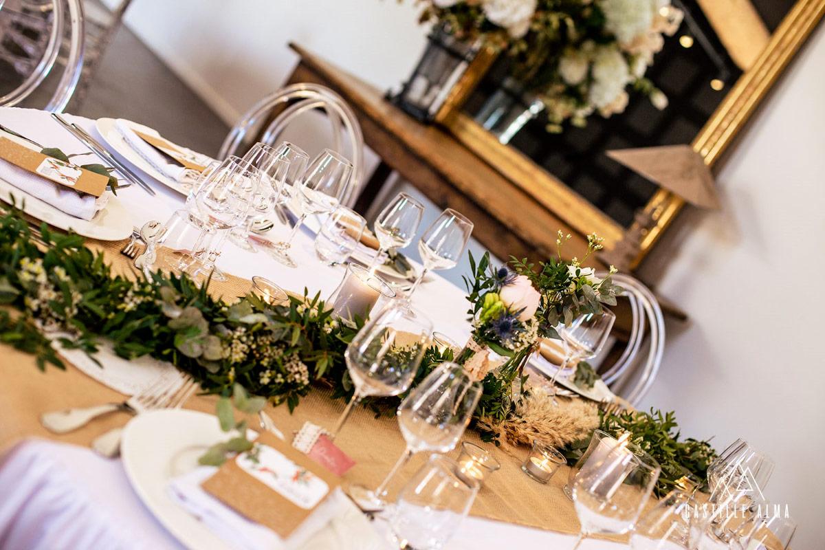 Chemin d'une table de mariage